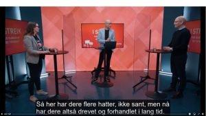 Bilde fra et fjernsynsstudio. Fra venstre står følgende ved hvert sitt bord: Nestleder i Unio kommune, Silje Naustvik, programleder Erik Aasheim og forhandlingsleder i Unio kommune, Steffen Handal.